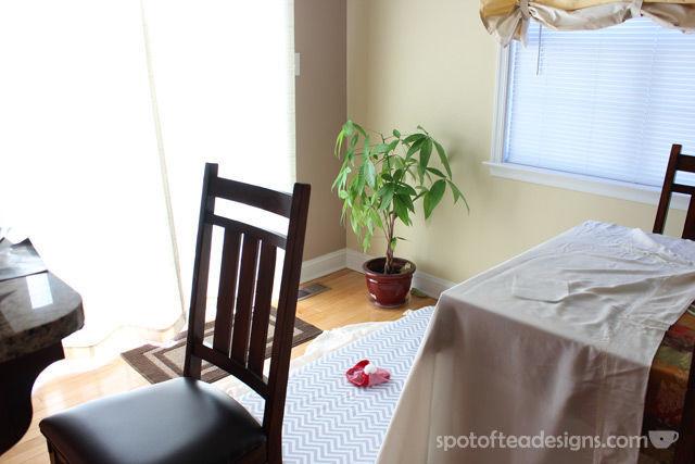 at home Baby Christmas Photo Shoot setup| spotofteadesigns.com