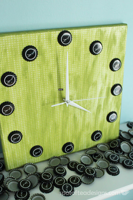 Beer Cap Clock Tutorial   spotofteadesigns.com