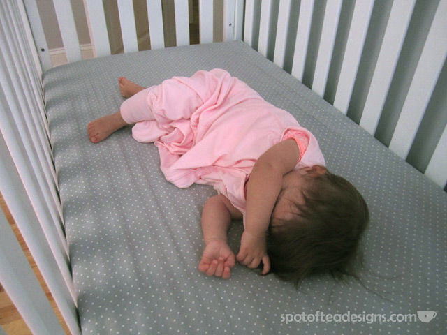 Spotofteadesigns.com reviews the @HaloInnovations Early Walker Sleepsack with a one year old
