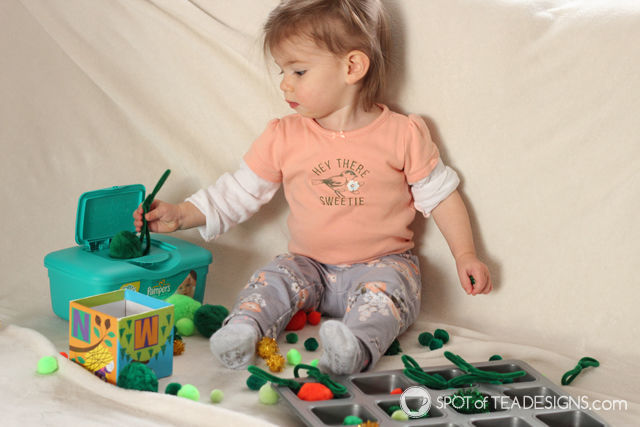 St Patrick's Day themed#toddler activity | spotofteadesigns.com