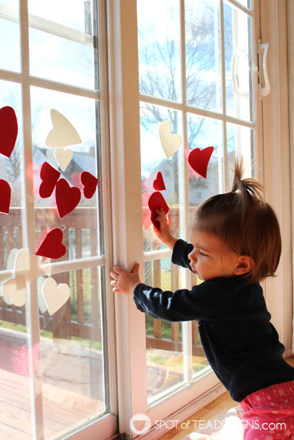 Valentine's Day Window Play for #toddlers. Cheap and easy!   spotofteadesigns.com