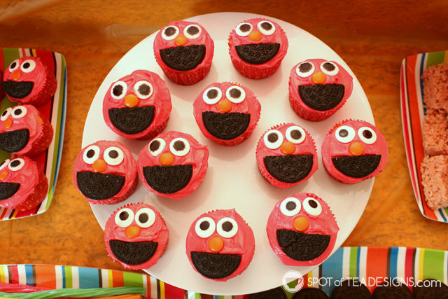 Elmo 2nd #Birthday #Party - @Elmo cupcakes | spotofteadesigns.com