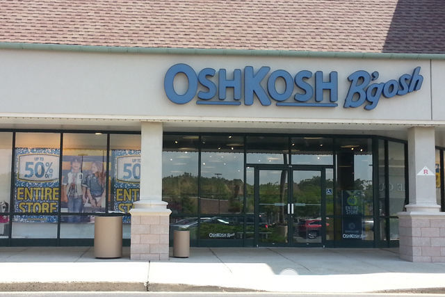 Review of the latest @OshKosh Fall Fashions #backtobgosh #boshjenuis #ic #ad | spotofteadesigns.com