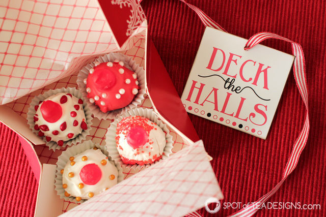 Step by step recipe on making OREO Cookie Balls designed like Christmas ornaments, complete with a free #printable! #OREOCookieBalls #cbias #ad #shop | spotofteadesigns.com