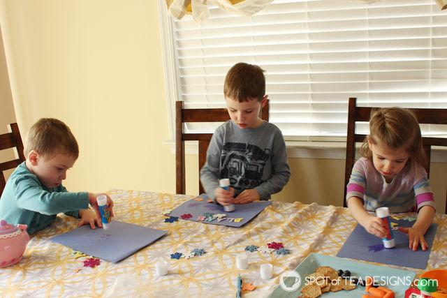 Snowman themed toddler playdate: snowman #kidscraft | spotofteadesigns.com