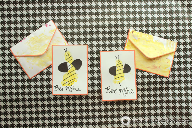 Bee Mine Footprint Valentines #kidscraft | spotofteadesigns.com