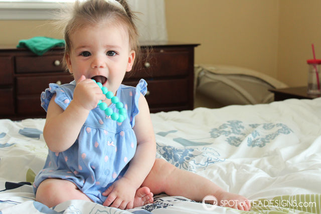 Top 5 Favorite products to help soothe a teething baby - Itzy Ritzy Chewable Mom Jewelry | spotofteadesigns.com