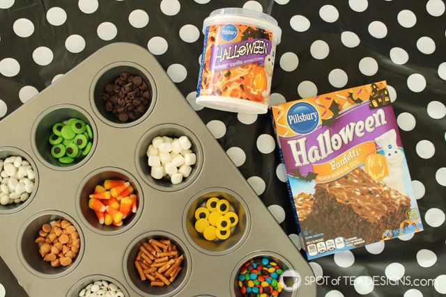 Make your own Monster Brownies - a great Halloween Party Activity for kids. @Pillsbury #BakeFallFavorites #ad #cbias #Halloweenfood #Halloweenparty | spotofteadesigns.com
