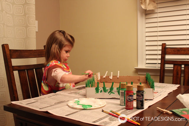 DIY Holiday Card Holder - painting clothespins to hang cards with @Decoart_inc | spotofteadesigns.com