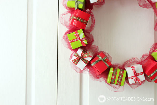 DIY present wreath made with mini favor boxes | spotofteadesigns.com