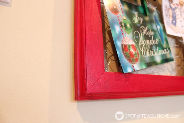 DIY Chicken wire Christmas Card Display featuring @Decoart_inc paint | spotofteadesigns.com