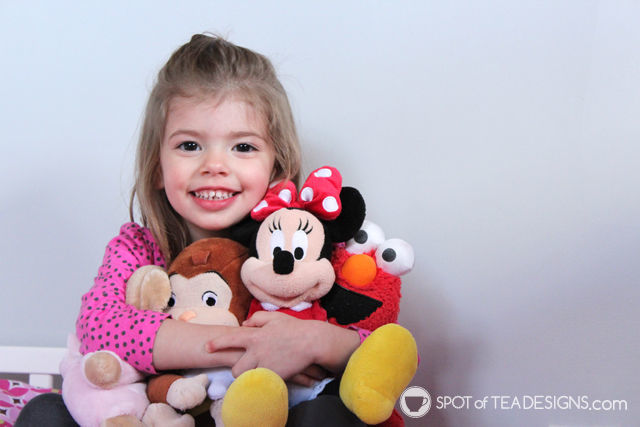 Brielle's favorite stuffed animals featured in the PInk and Yellow bedroom tour | spotofteadesigns.com