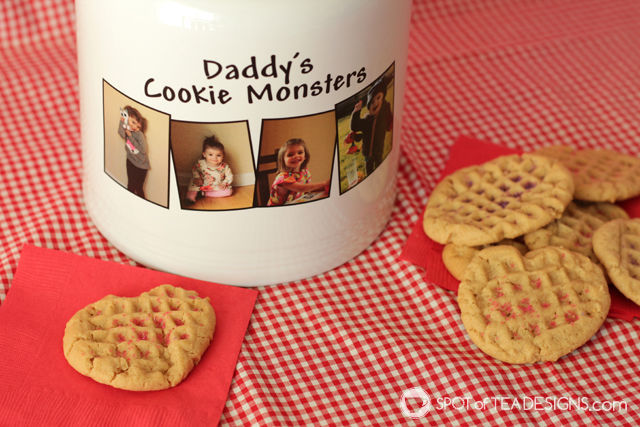 Soft and chewy peanut butter cookie recipe with @pcgifts cookie jar | spotofteadesigns.com