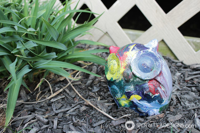 Mothers Day Kids Craft - painting rock pets garden stones | spotofteadesigns.com