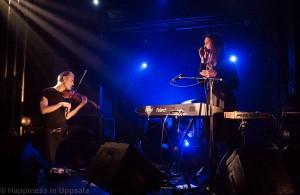 Broken Twin and violinist Nils Gröndal(left)