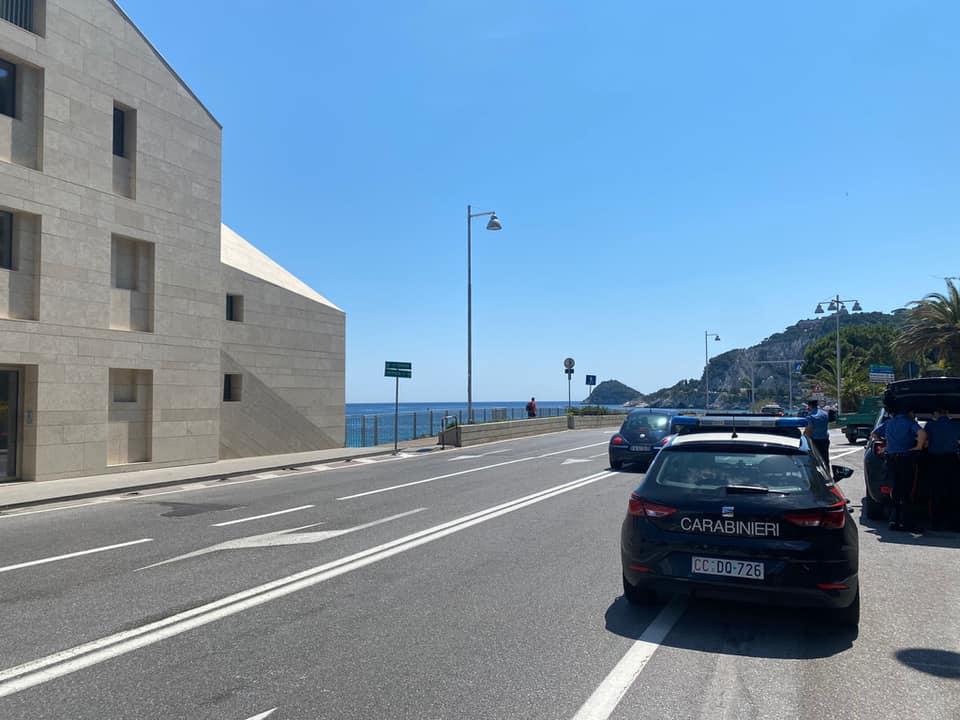 Bergeggi, scontro tra due scooter sull'Aurelia: due feriti in ospedale