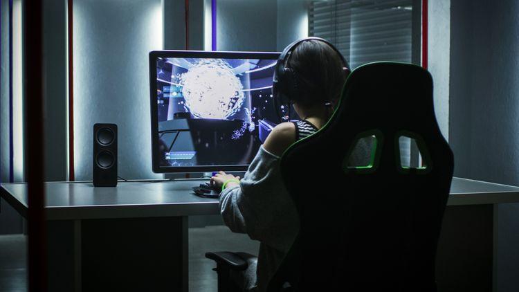 Veľký herný monitor