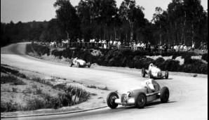 Mit Nazi-Finanzierung dominieren Auto-Union und Mercedes die Automobilrennen der 30er. Der Silberpfeilmythos ensteht