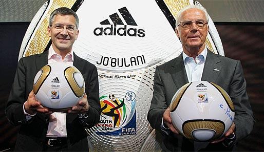 https://i0.wp.com/www.spox.com/de/sport/fussball/wm/wm2010/1004/Bilder/franz-beckenbauer-jo-buli-finalball-adidas-514.jpg