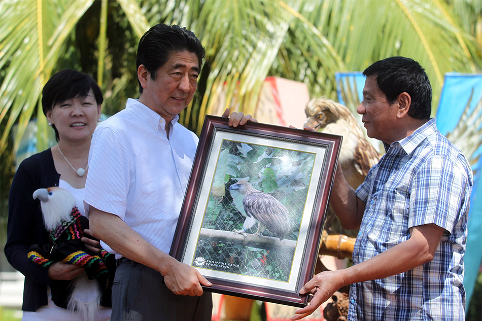 JPN PM Abe adopts rescued Philippine Eagle, dubs her 'Sakura'
