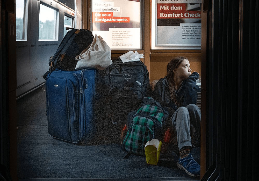 Did Greta Thunberg REALLY ride in the Deutsche Bahn train entirely on the floor?