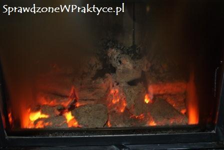 330 minut od podłożenia ognia w kominku