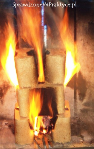 Brykiet w ogniu