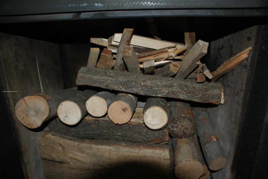 trzecia warstwa drewna w kominku