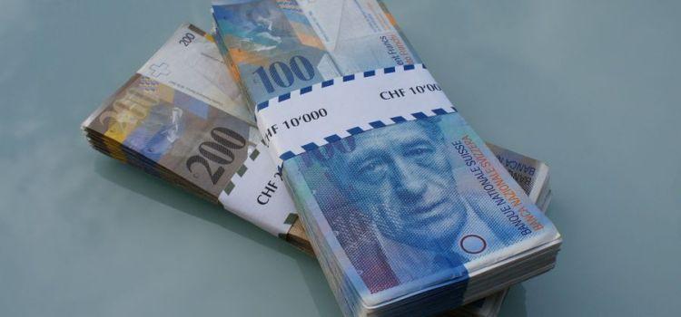 Nielegalność umów denominowanych z uwagi na brak możliwości kupna przez bank wykorzystanej sumy z kwoty kredytu.