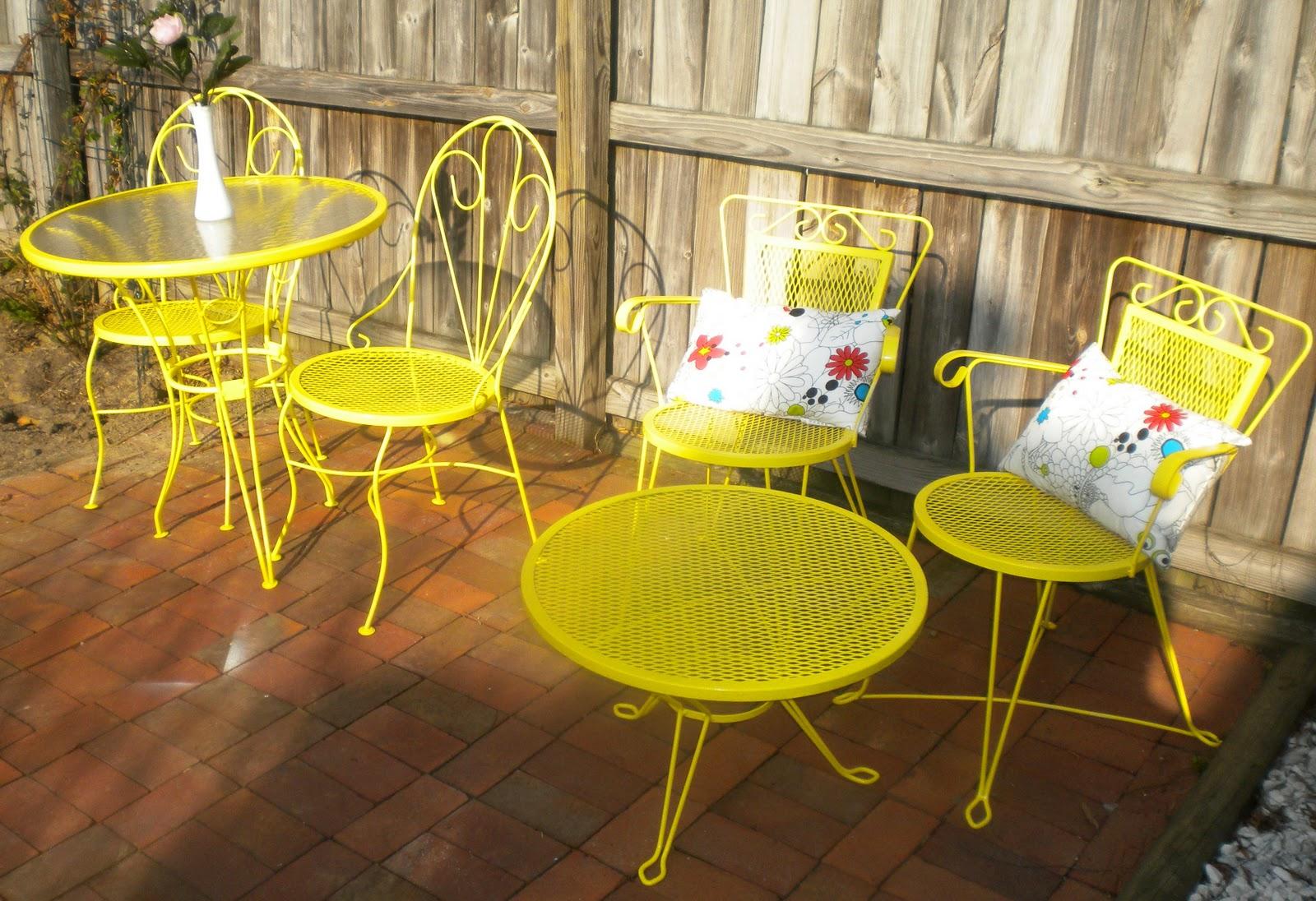Rust Oleum Sun Yellow Gloss Spray Paint 400ml Painter S