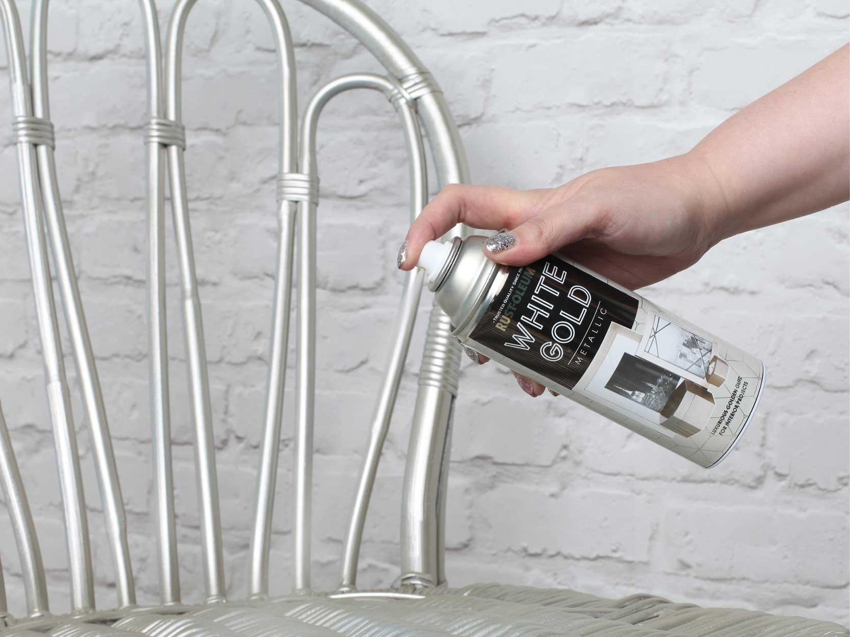 rust oleum metallic white gold spray paint 400ml sprayster. Black Bedroom Furniture Sets. Home Design Ideas