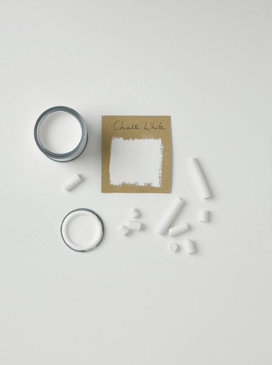 Rust-Oleum-Chalk White-Layflat