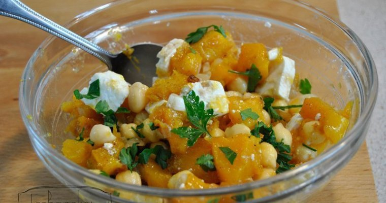 Chickpea, pumpkin and feta cheese autumn salad