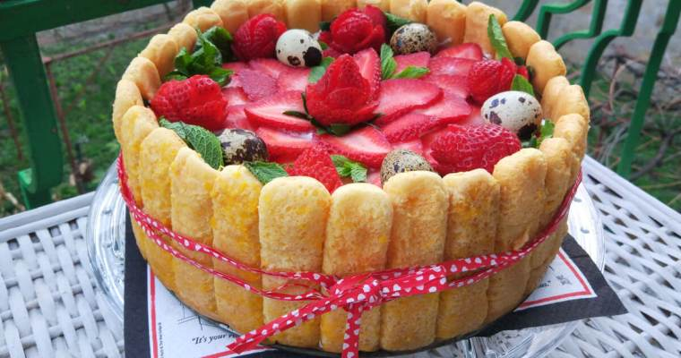 Лека бишкотена торта с ягоди и сметана