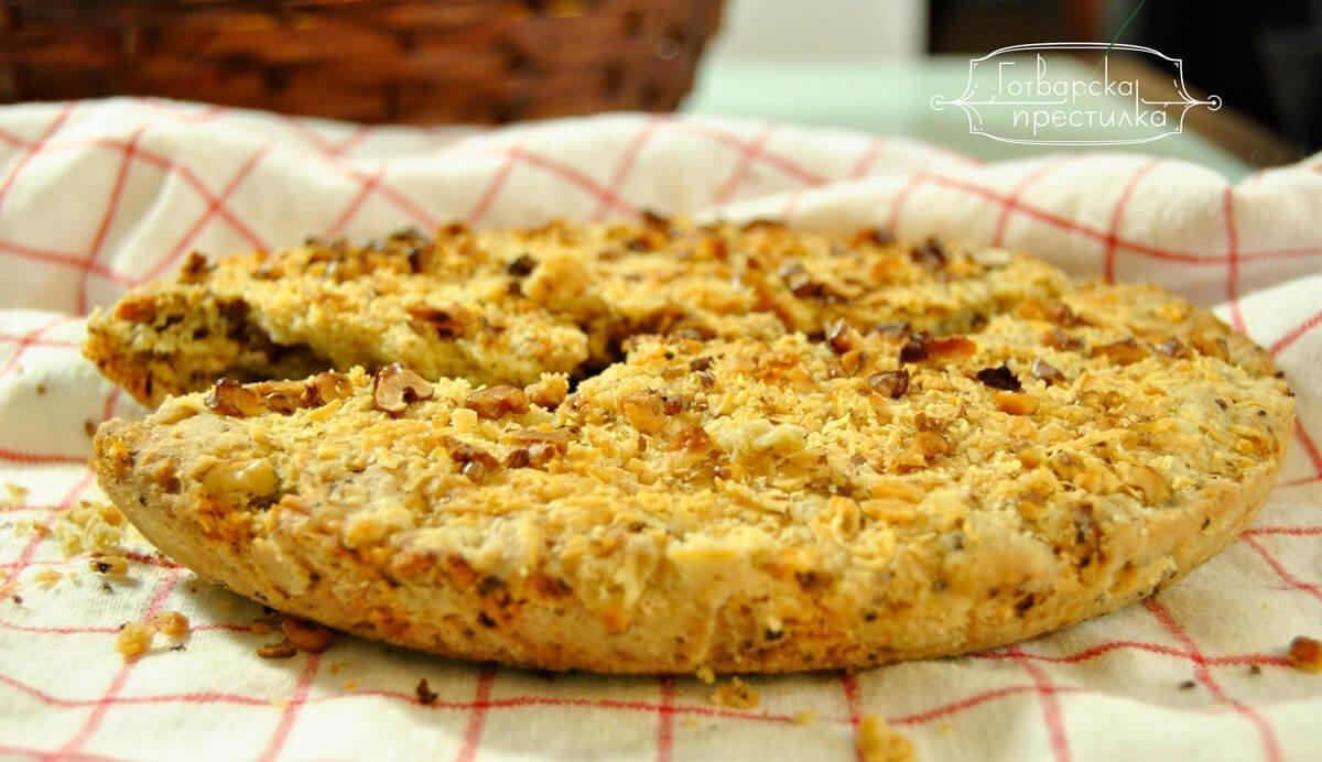 Бърз хляб с орехи и синьо сирене