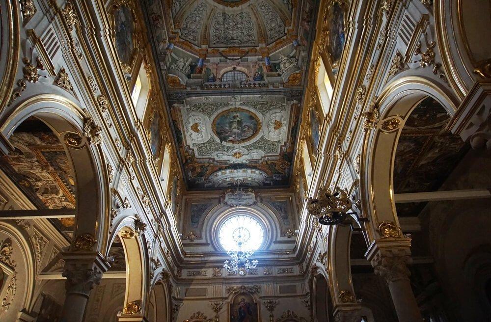 Катедралата на Матера отвътре