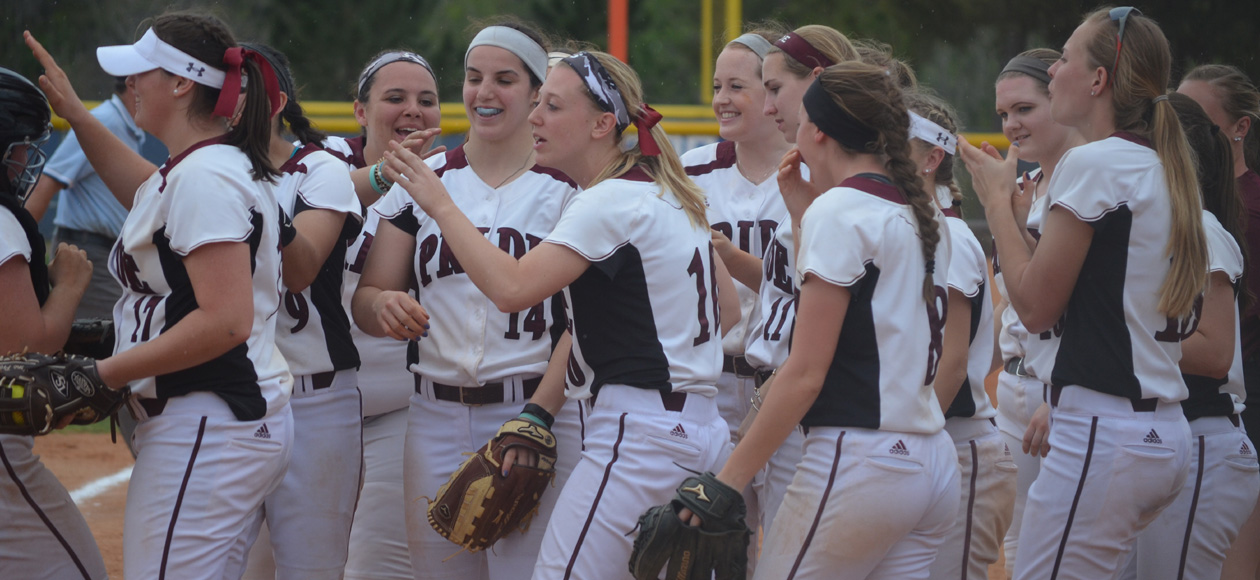 Softball Pushes Win Streak to Four With Victories Over Wooster and St. Norbert