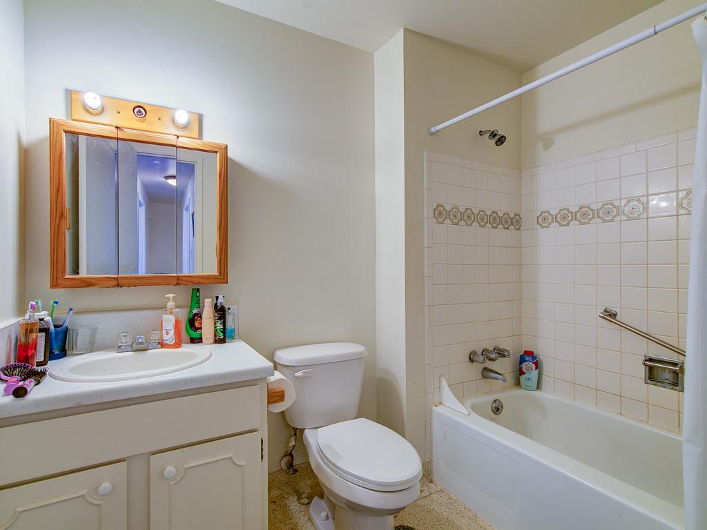 Cree-Bathroom