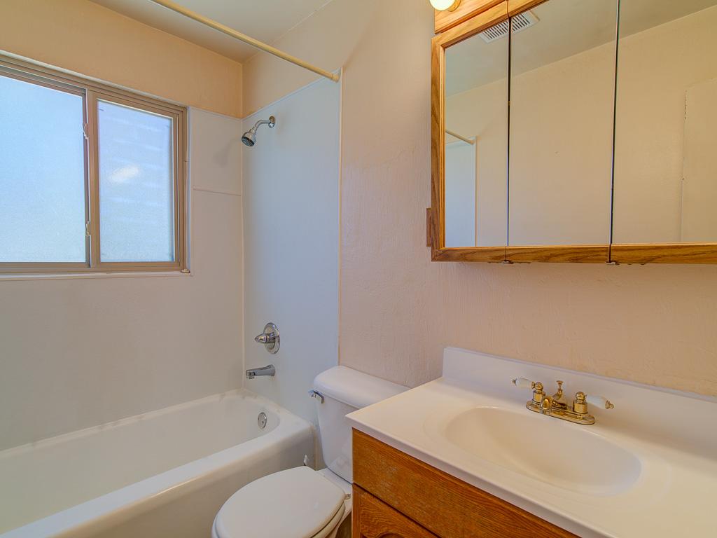 Marquita-Bathroom