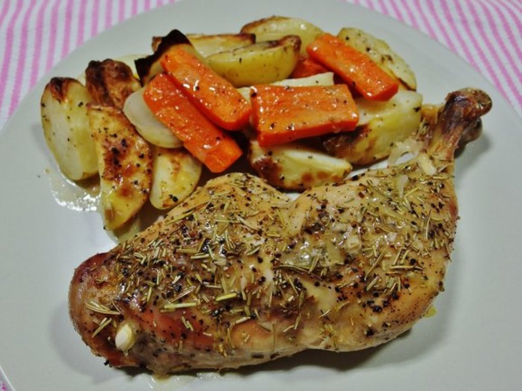 Rosemary Chicken with Roasted Potatoes and Carrots