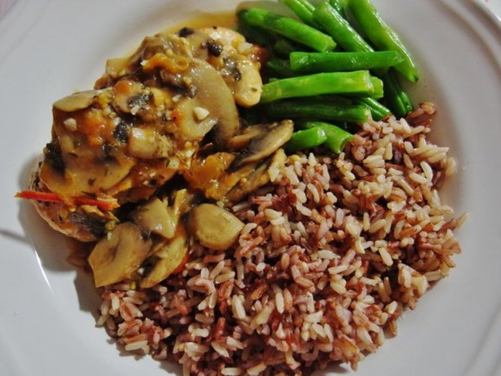 Chicken Breast with Mushroom and Tomatoes with Rice and French Beans