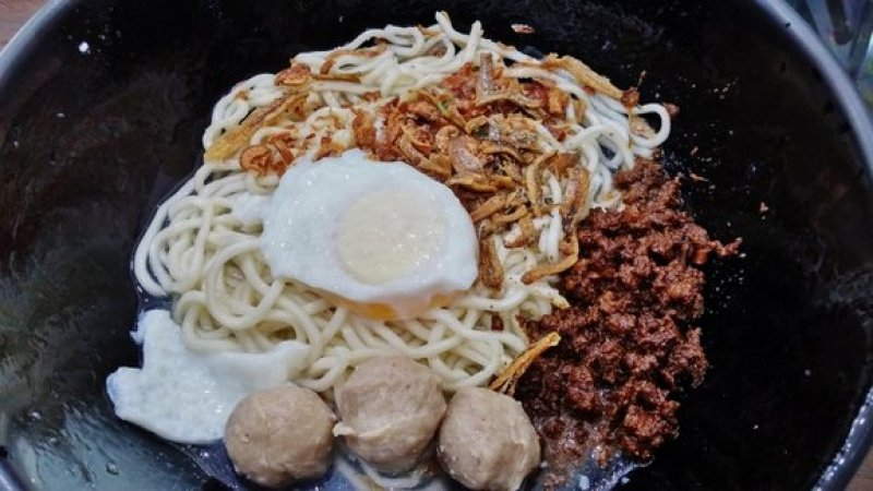 Kin Kin Chilli Pan Mee 5