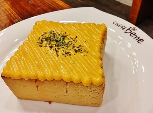 Caffe Bene Malaysia @ Johor Bahru City Square - Garlic & Cheese Bread