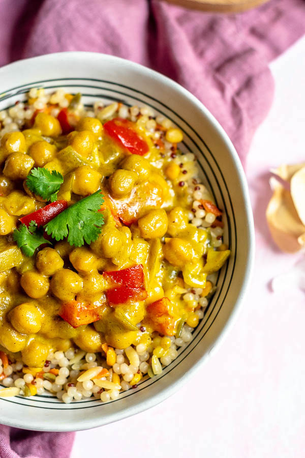 Apple Chickpea Coconut Curry