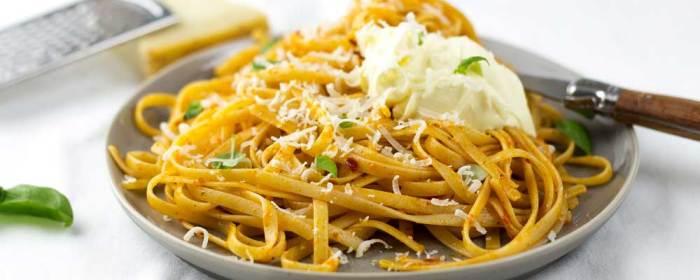 Red Chilli Pesto Pasta with Mascarpone