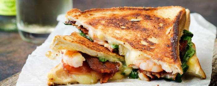 Shrimp and Bacon Grilled Cheese Sandwich #SundaySupper
