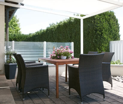 privacy screens in the garden