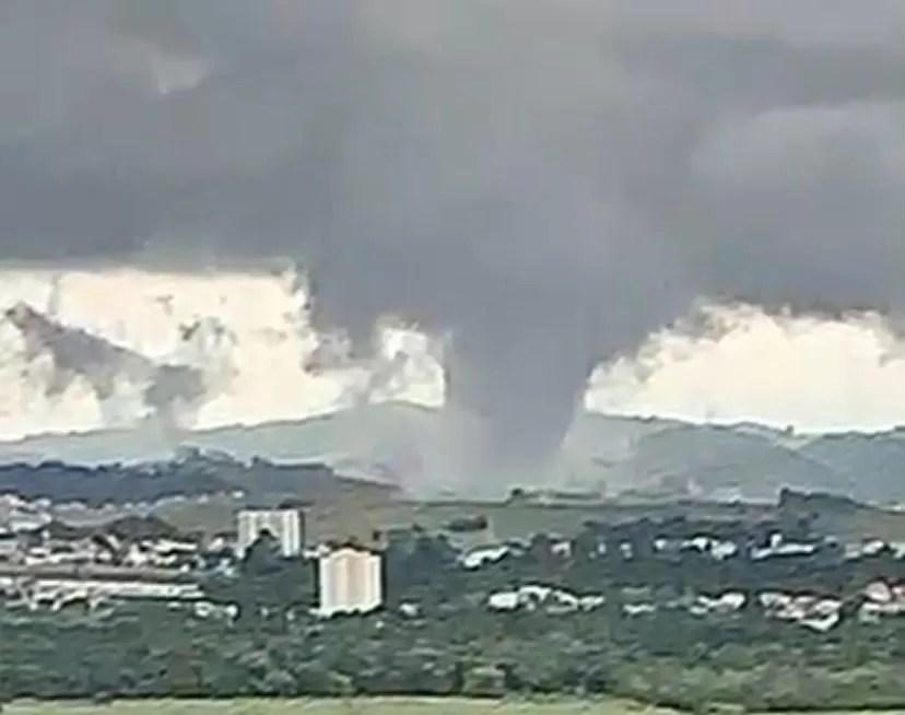Prefeito de São José dos Campos diz que município foi atingido por um tornado