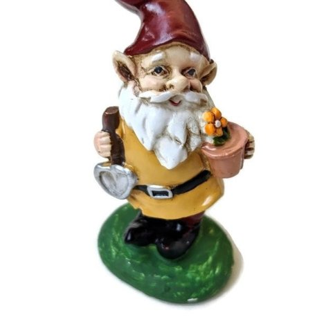 Yellow Gnome with Trowel4