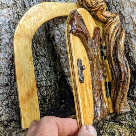 Twisted Tree Door7